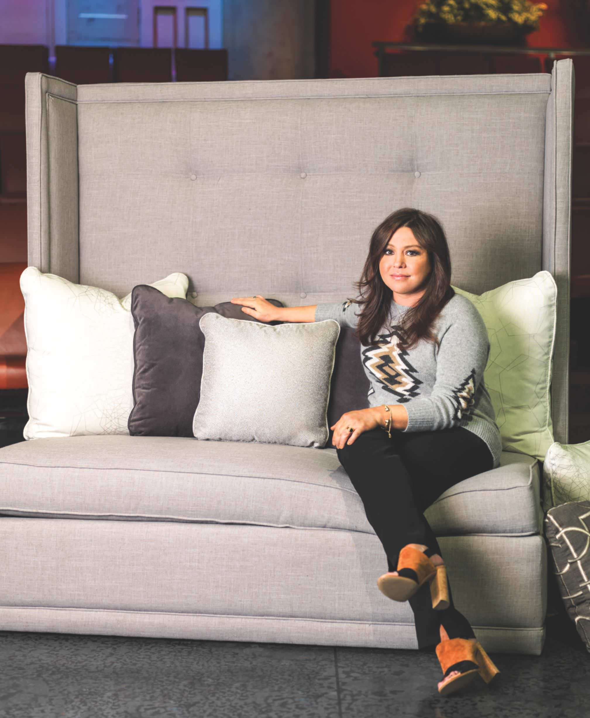 Rachael ray cooks up a batch of furniture for Rachael ray furniture collection