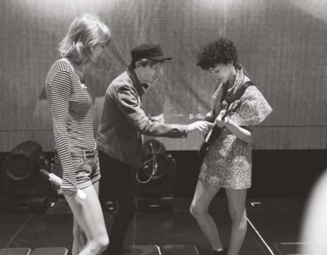 Behind the scenes: Taylor with Beck and St Vincent backstage