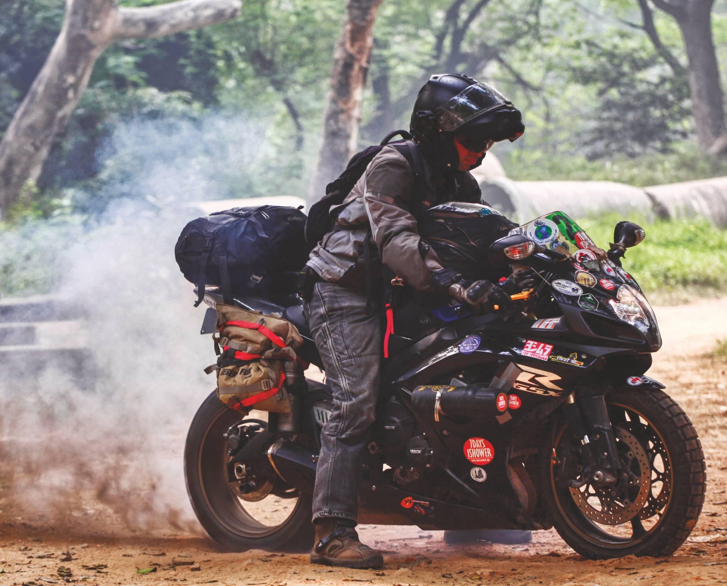Superbike-Adventure-Touring
