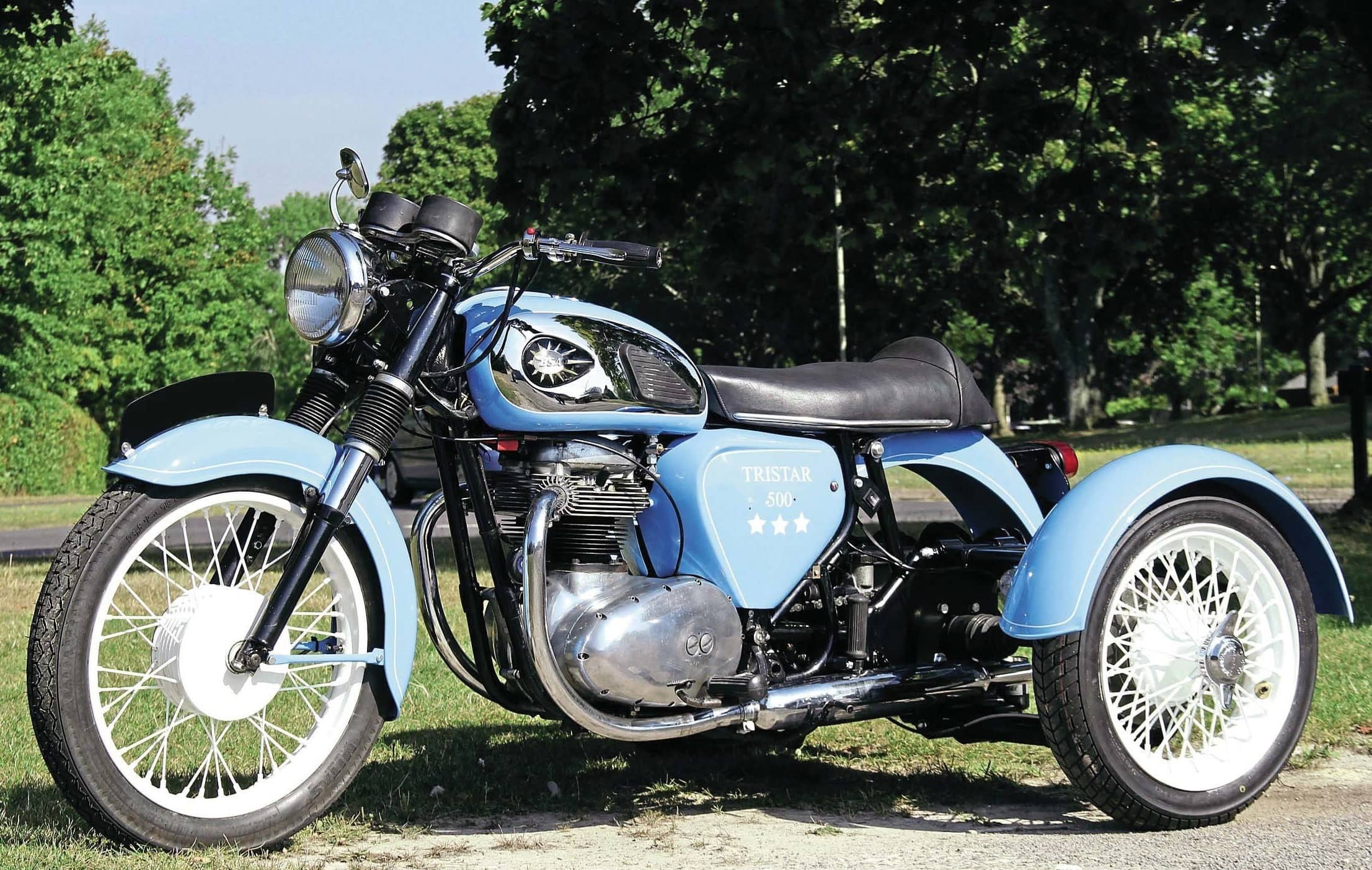 CLASSIC TRIKE FOR A CLASSIC RIDER