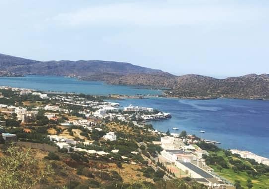A Family Retreat In Crete