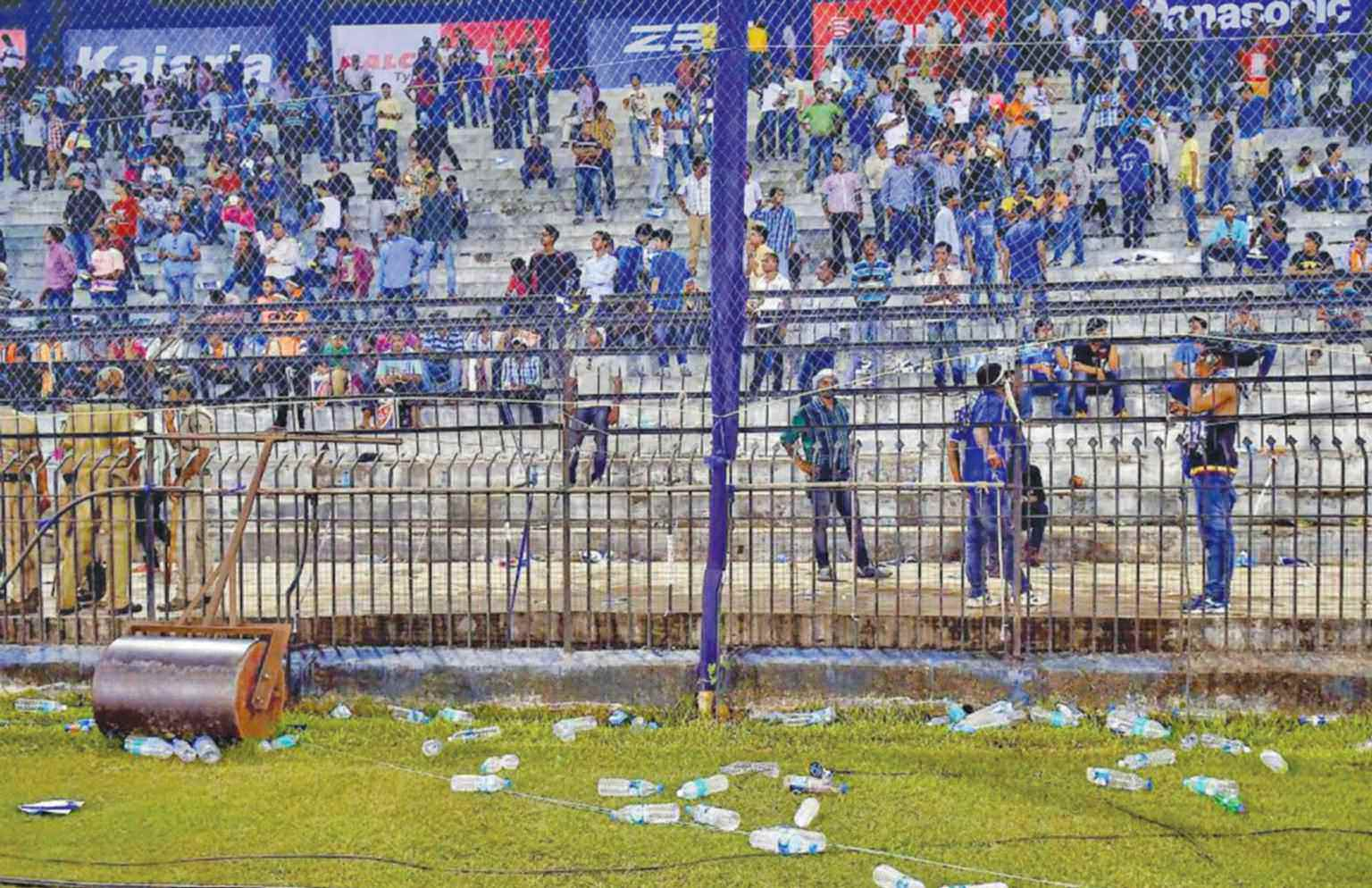 7 Shocking Incidents When Cricket Fans Disgraced The Country