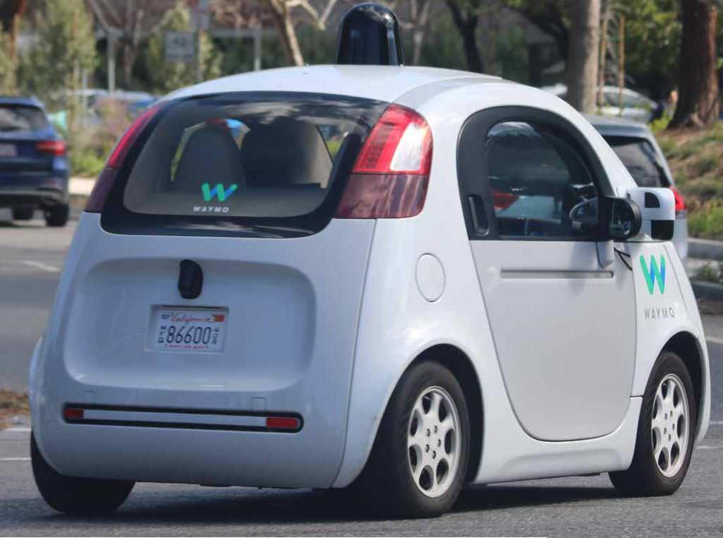 Alphabet S Waymo Lyft To Collaborate On Self Driving Cars