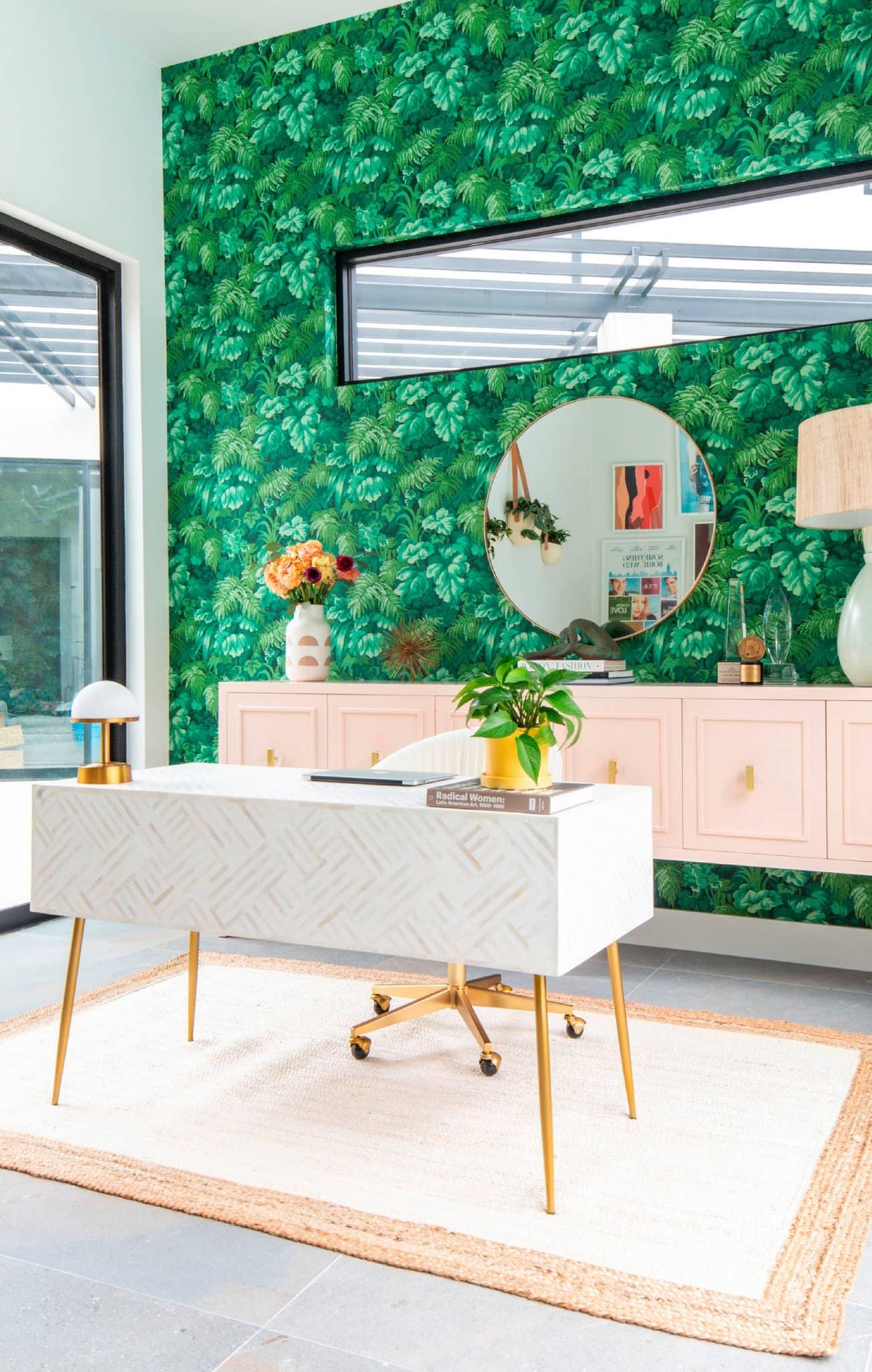 Jennie Snyder Urman's Office Oasis