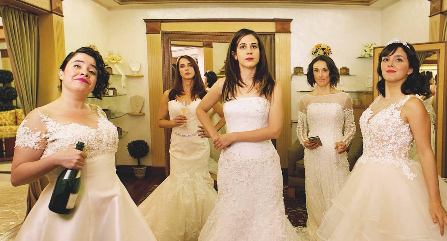 Solteras Un Grupo De Mujeres Busca Pareja, Y Se Encuentran A Ellas Mismas
