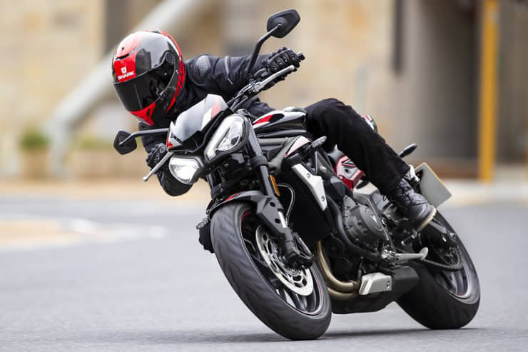 TRIUMPH launches Street Triple 'R' at ₹8.84 lakh