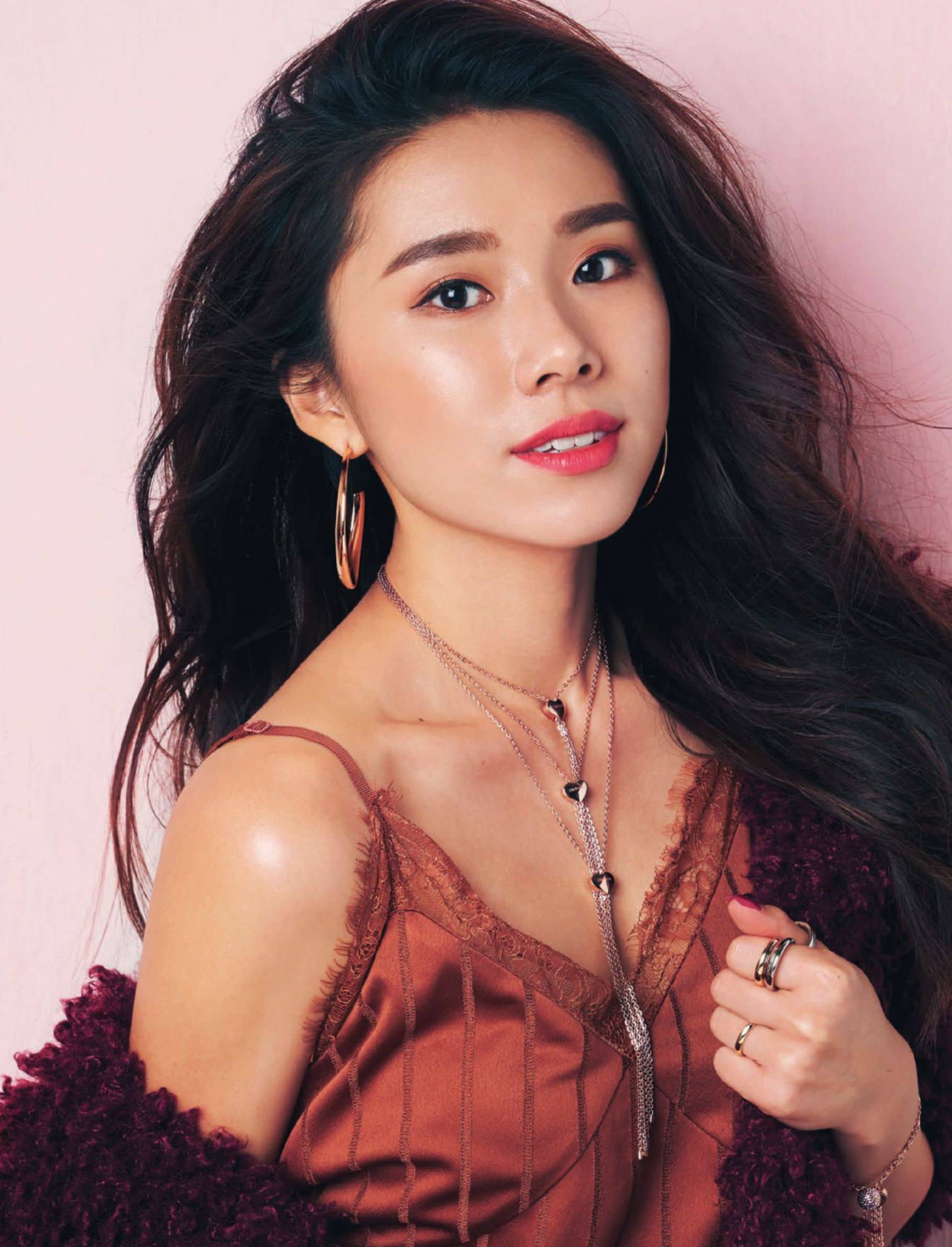 """I had really low self-esteem,"" says Mong Chin aka @Mongabong. Not what you'd expect from one of Singapore's most prominent beauty influencers but.."