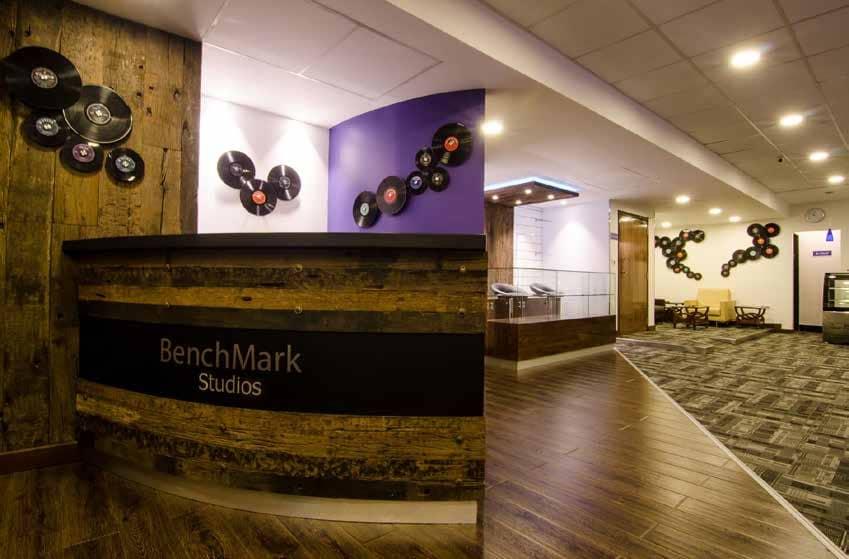 Studio Tour Benchmark Studios
