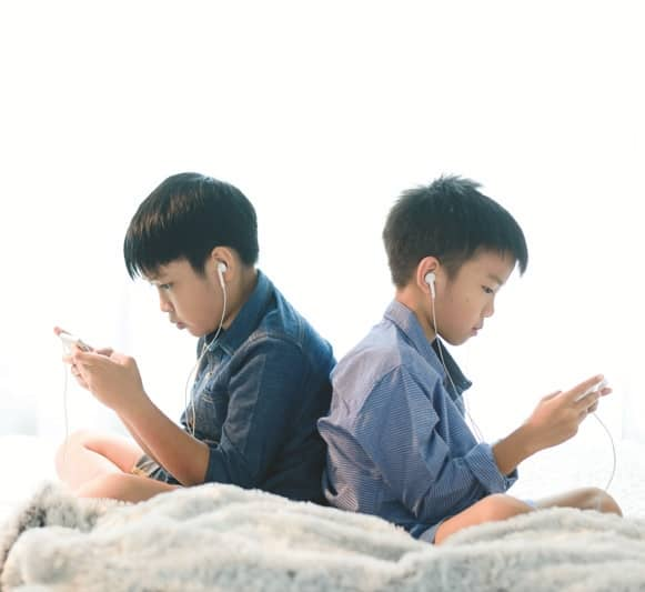 Should Minors Be Allowed to Own Mobile Phones?
