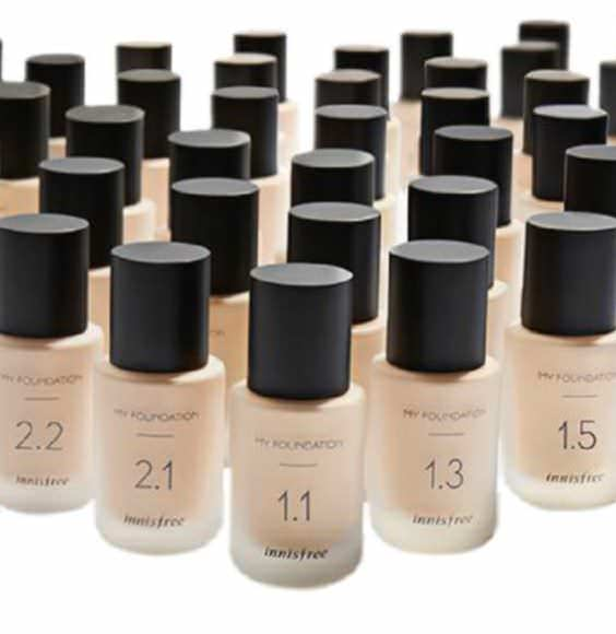 5 Things You're Doing Wrong When Picking Your Foundation