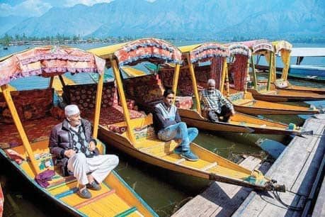 Govt. Moves To Reopen J&K For High-End Winter Tourists
