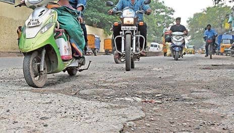 Corporation takes up pothole repairs at over 1,000 locations
