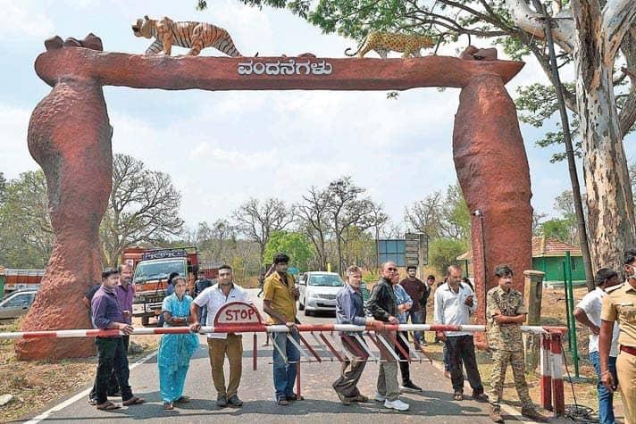 T.N. Puts Curbs on Traffic Across Borders Till March 31