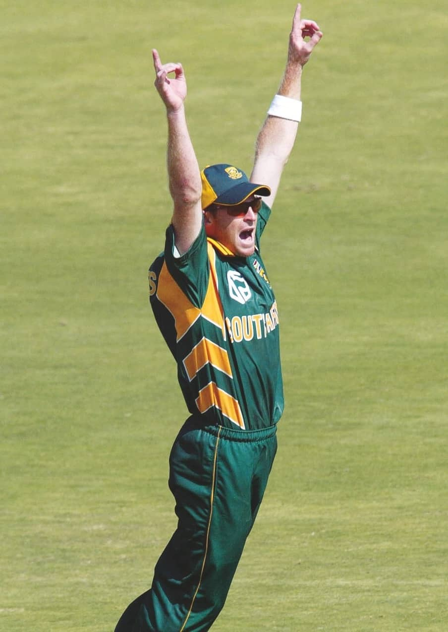 The Day Rhodes Took A Dive To Redefine Fielding