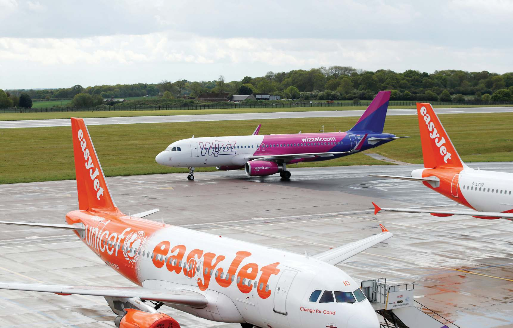 European low-cost airlines urge airports to slash service charges