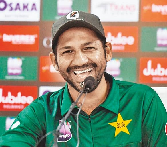 Sarfaraz Sacked As Pakistan's Test & T20 Captain