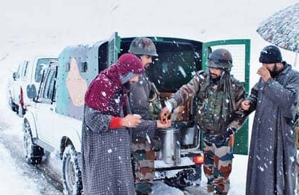 Army To The Rescue Of 350 Tourists
