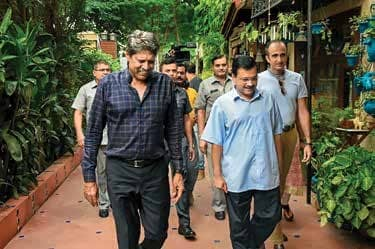 Kejriwal Govt's Anti-Dengue Campaign Gets Thumbs Up From Kapil Dev, Bollywood Celebs, Journalists