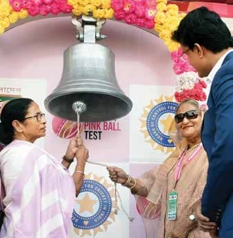 As 'Pink' Test gets underway, Mamata meets Hasina; discusses bilateral issues