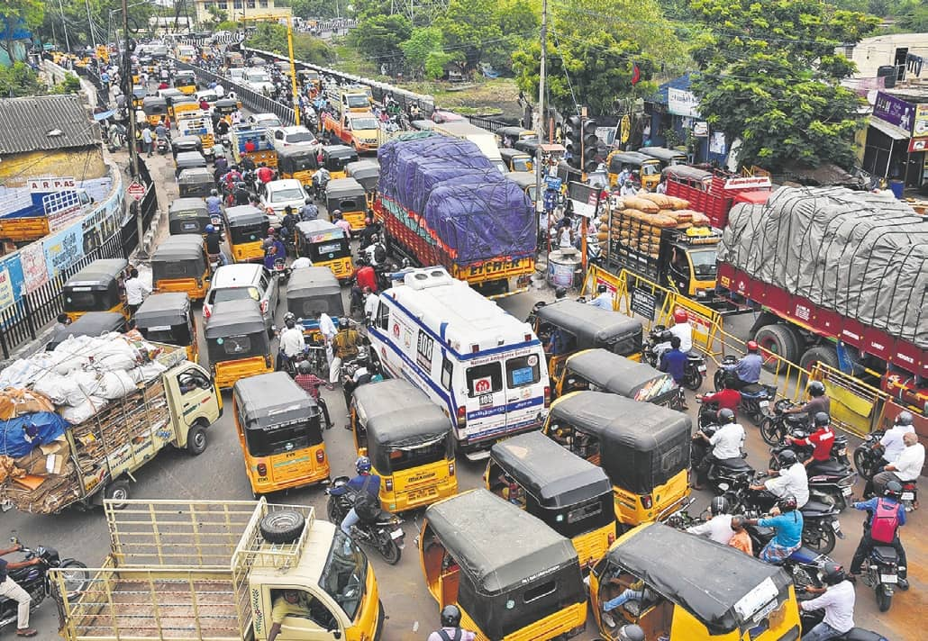 SWELLING CROWDS AND TRAFFIC AS CHENNAI ENTERS UNLOCK 2.0