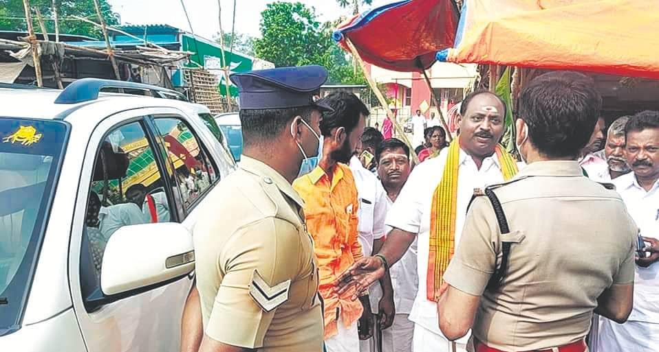 BJP Cadre Protest Against Thirumavalavan, Arrested