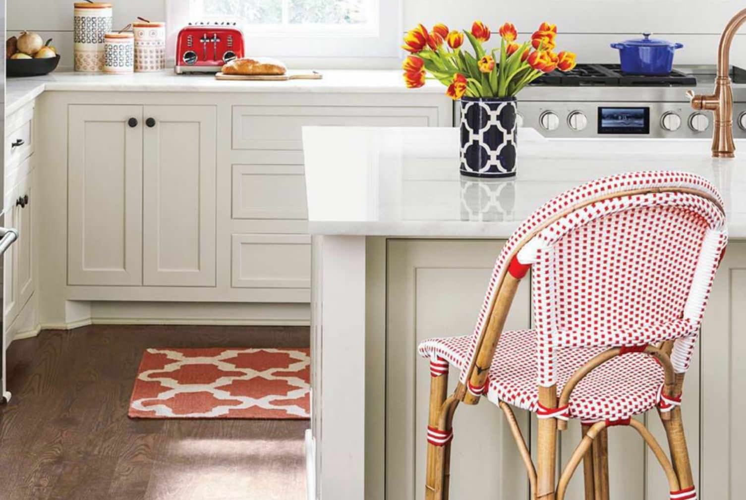 How To Juice Up A White Kitchen