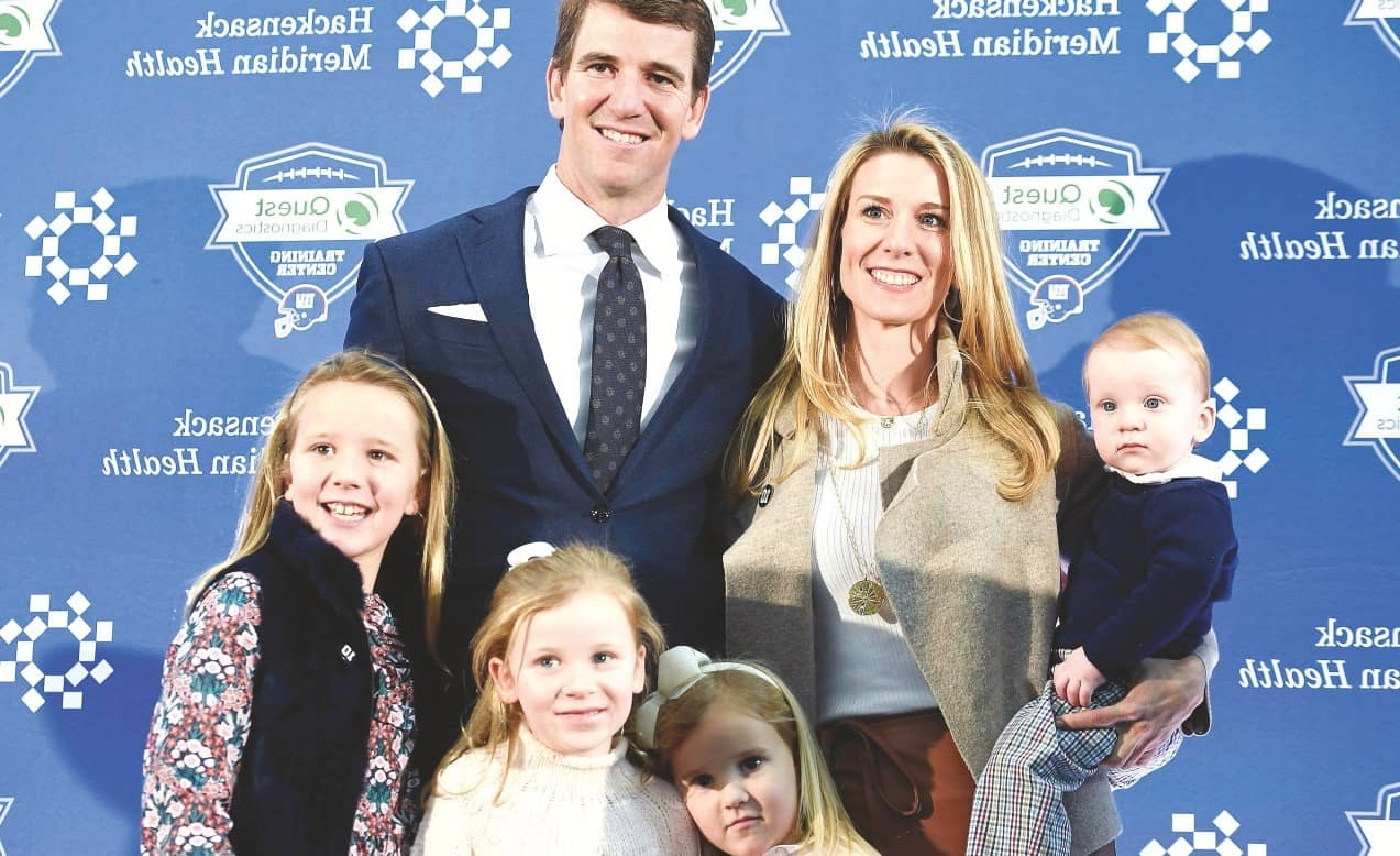 Eli Manning shows his inner Frank Sinatra by retiring 'his way'