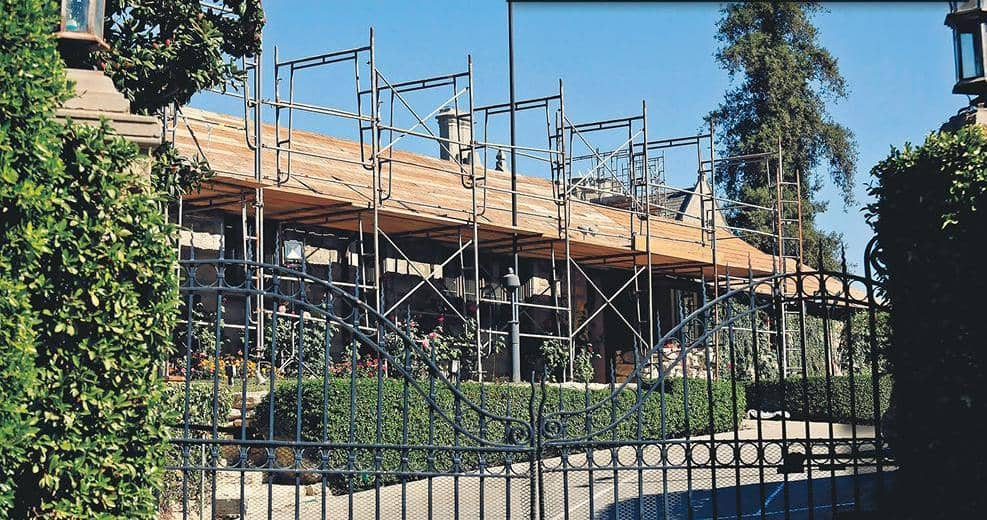 PLAYBOY MANSION REVAMP SWINGING INTO ACTION!