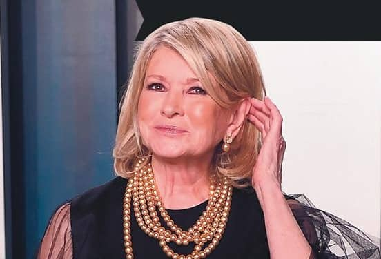 MARTHA BEGS PAL SNOOP TO FIND HER A GUY!