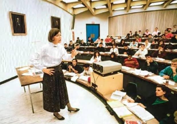 Elizabeth Warren's Classroom Strategy