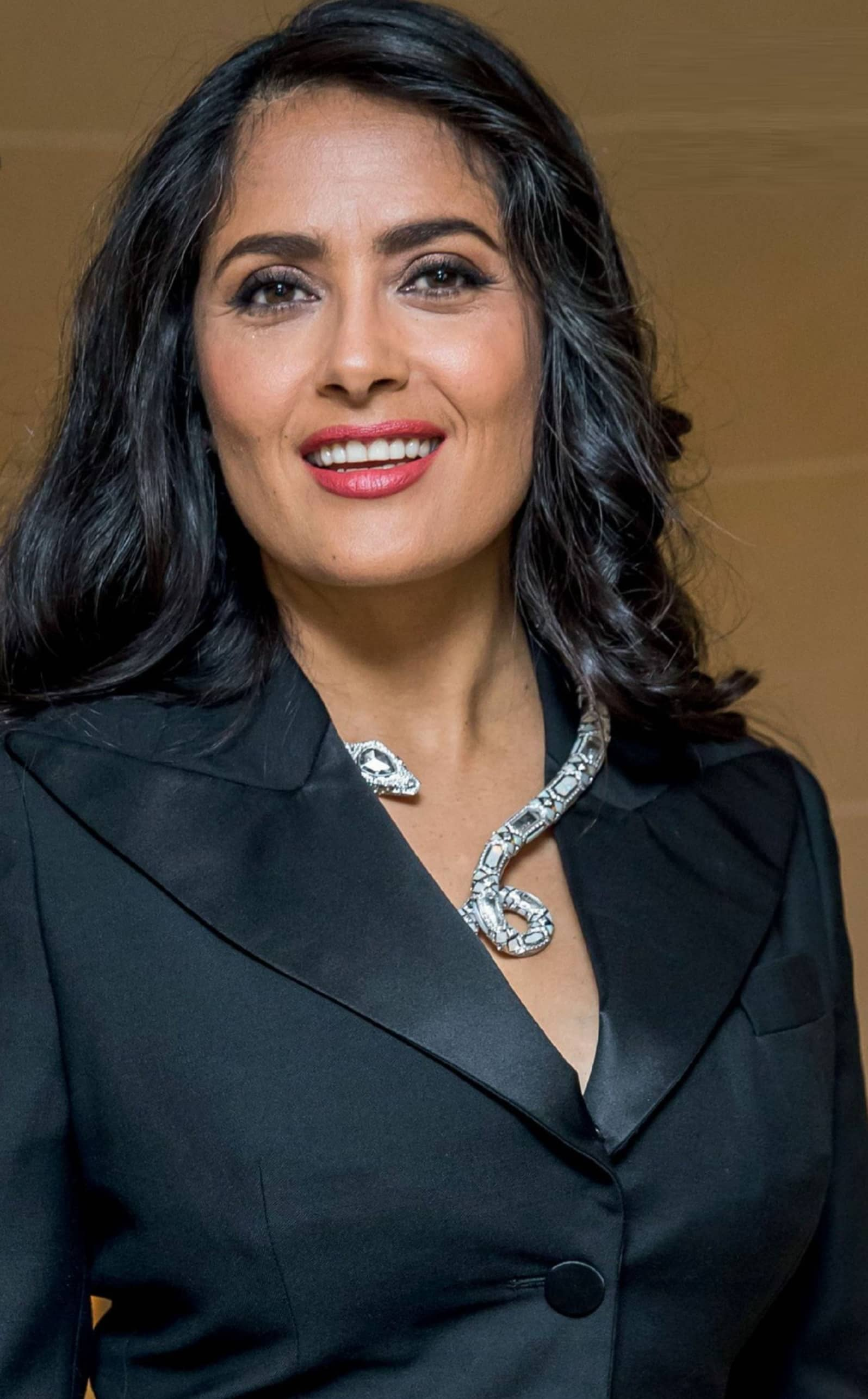 Salma Hayek acalla loS rumoreS Sobre Su divorcio en paríS