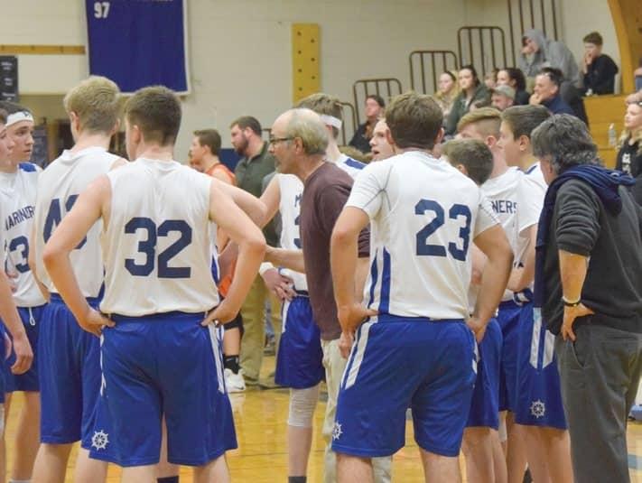'More confident' DISHS boys basketball team begins season