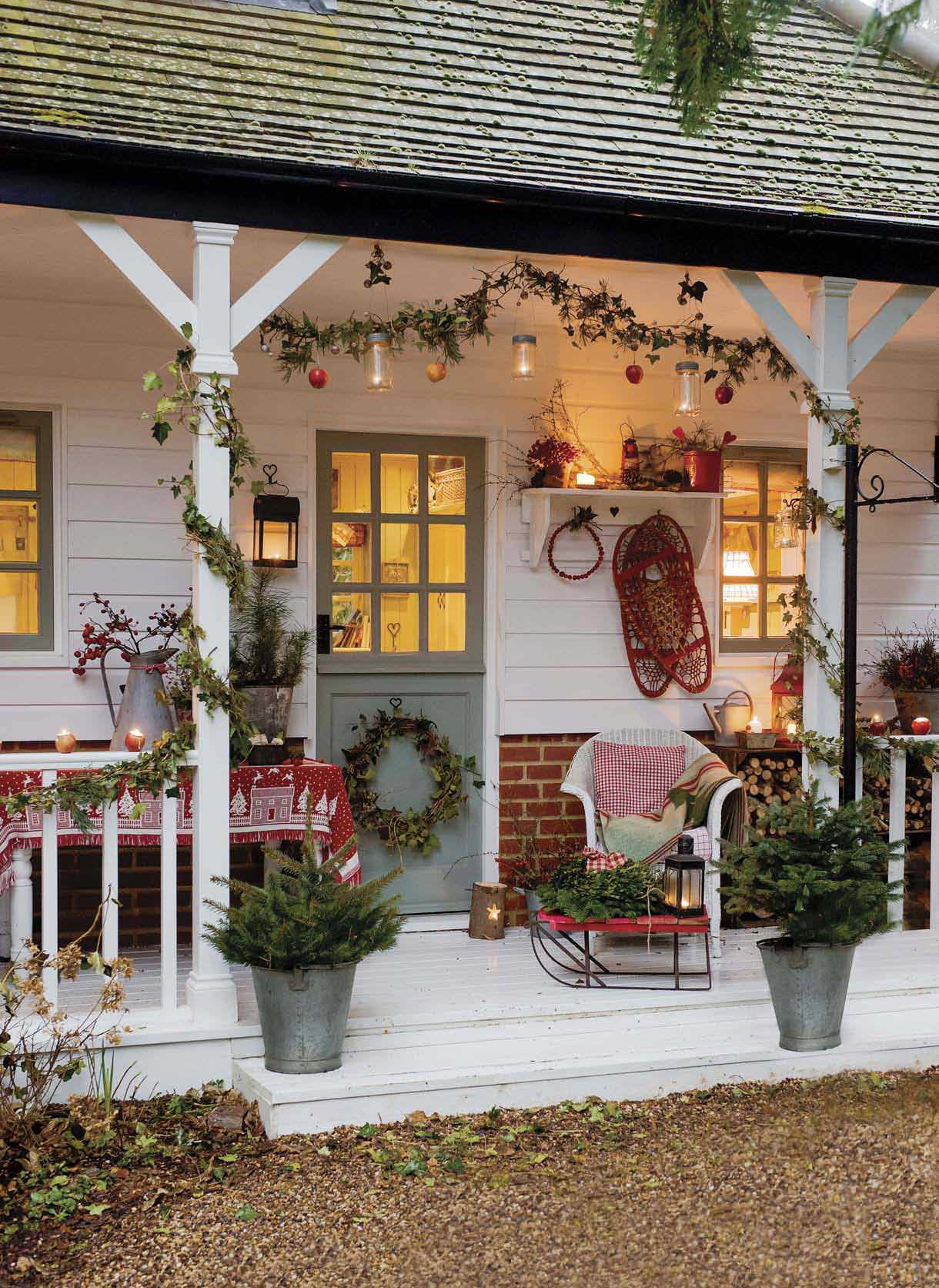 DIY Victorian Christmas Decor