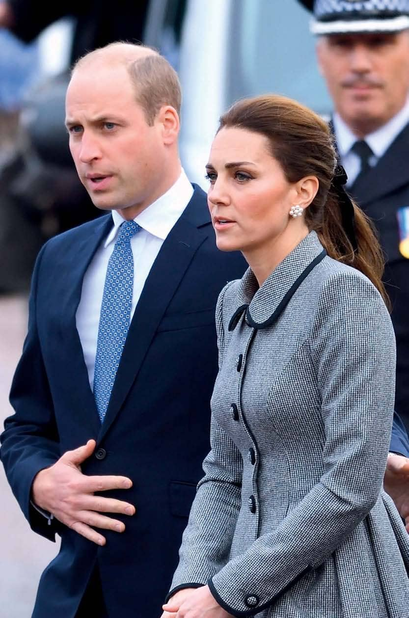 Kate & Wills - Steps up!
