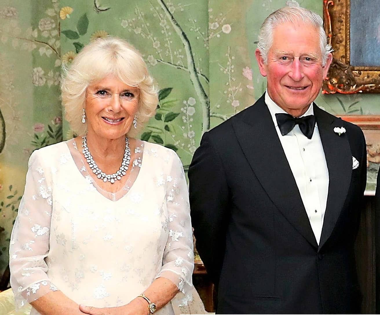 CHARLES & CAMILLA RENEW THEIR VOWS