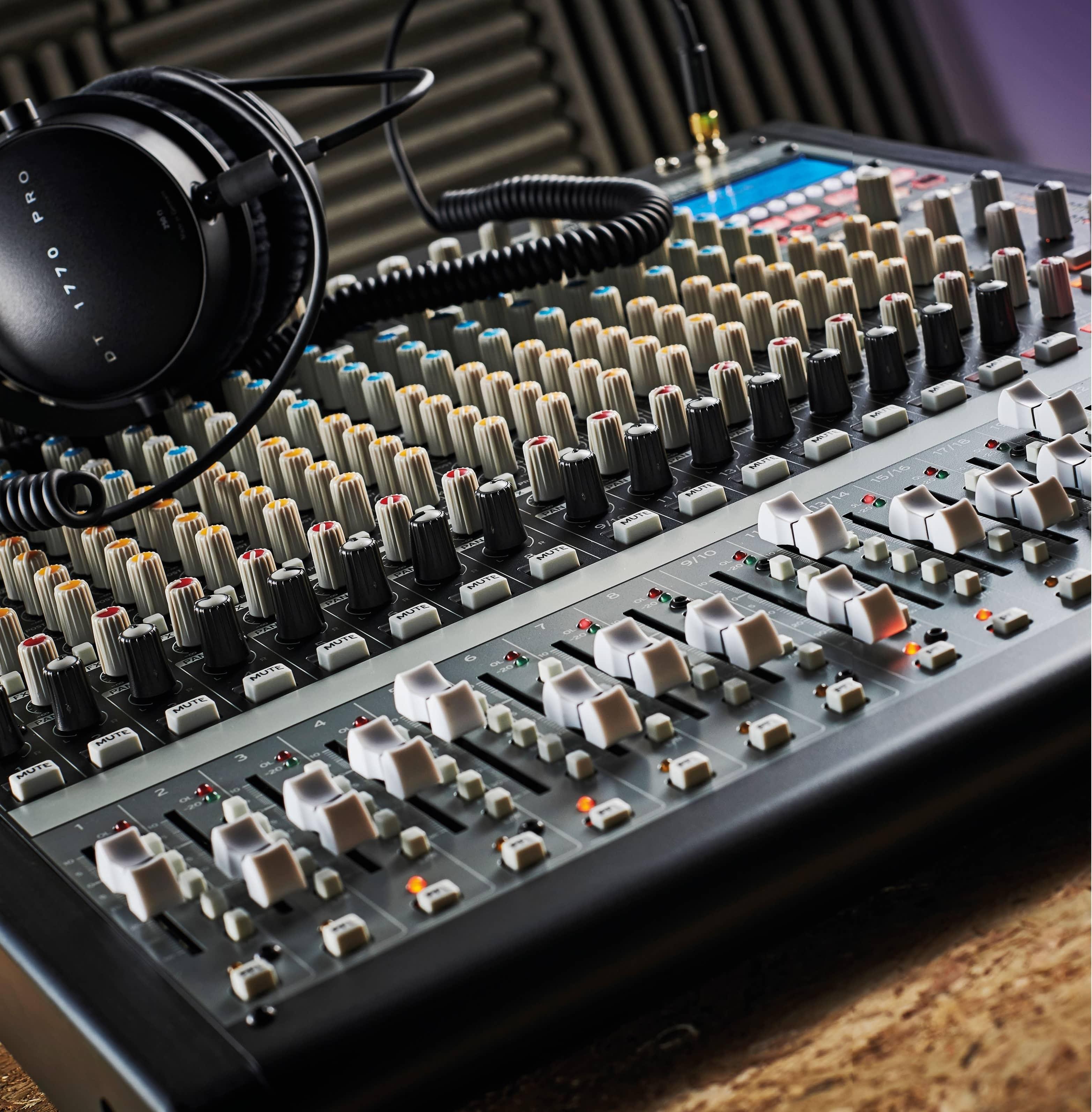 Korg SoundLink MW-2408 Hybrid mixer £1,199