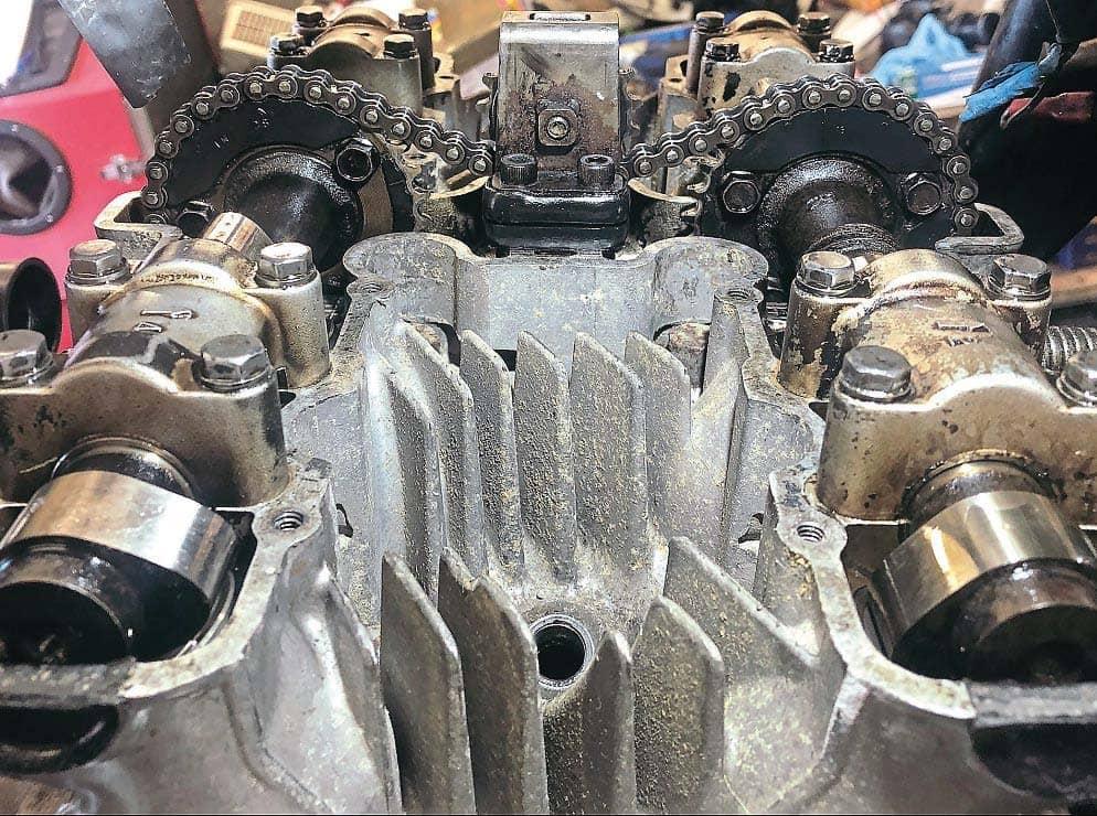 Workshop Kawasaki Z1000 valve clearances Take a seat…