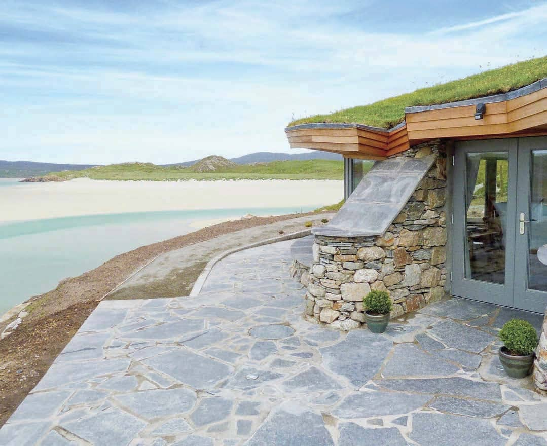 10 Romantic Stays By The Sea