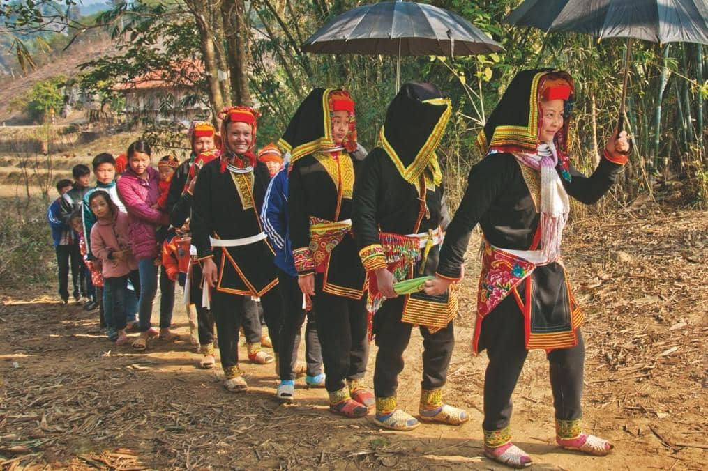 Traditional wedding of the White Yao people