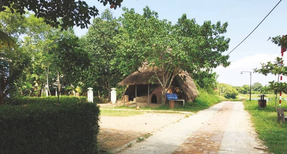 Tourism remains far away from Hue village's reach