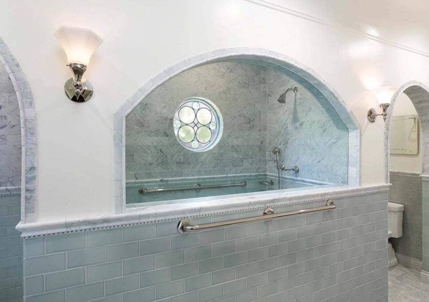 A Bathroom – Art Deco & Barrier Free