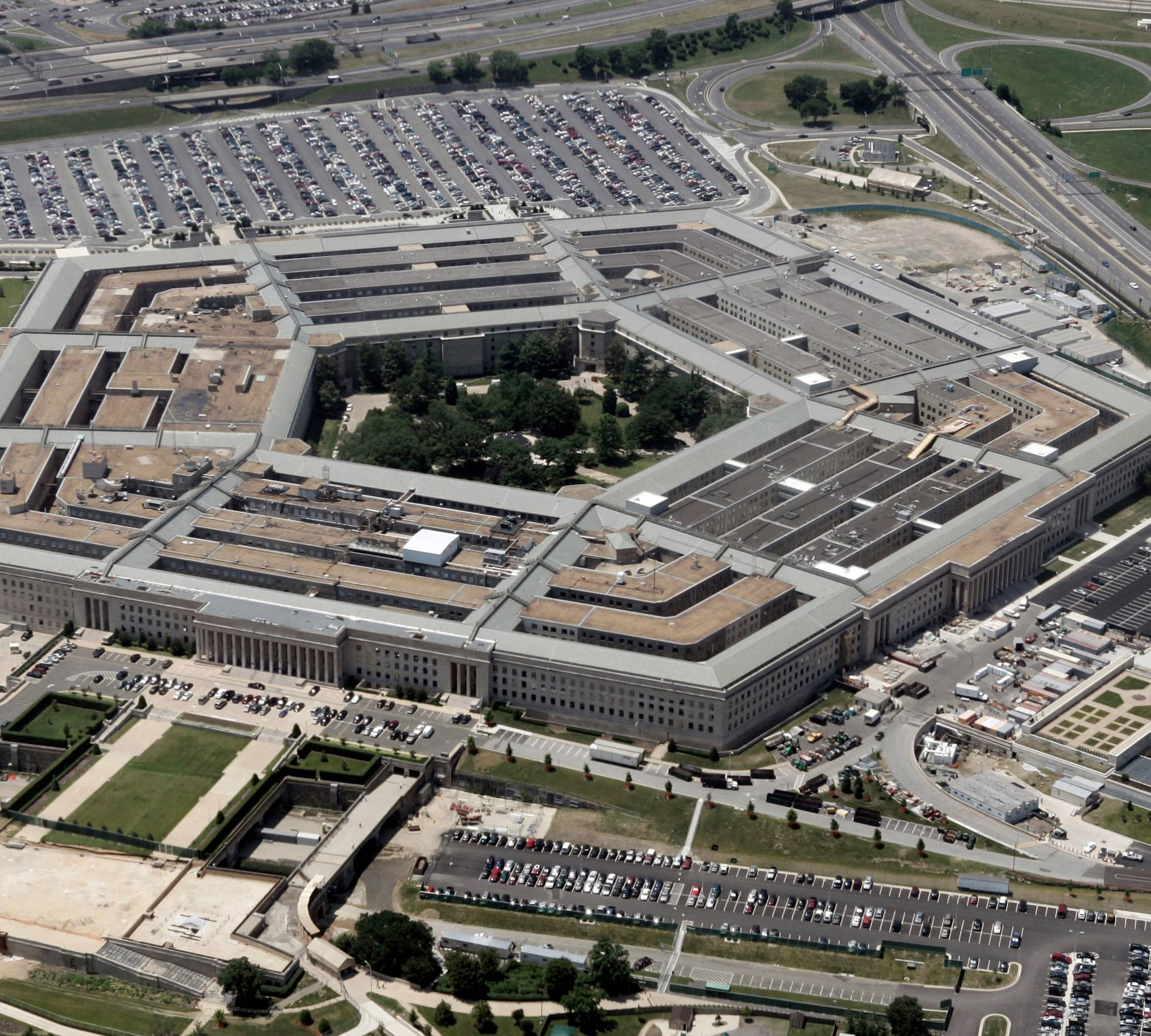 Pentagon Auditor Probing Disputed Cloud Computing Contract