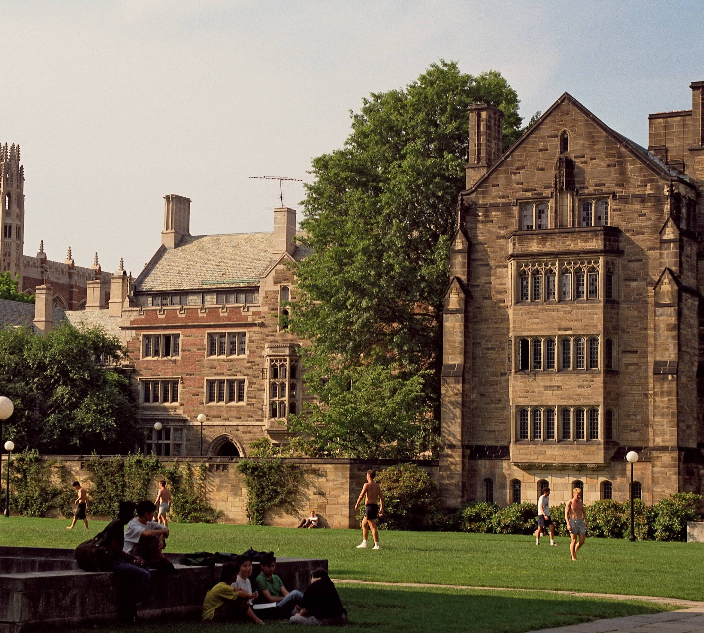 YALE STUDENTS START DRONE DELIVERY SERVICE ON CAMPUS