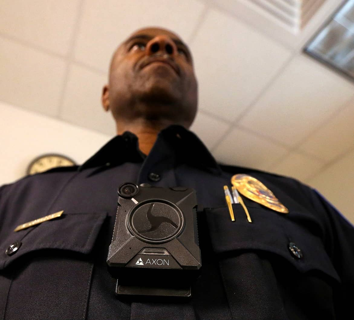 NEW MEXICO LAWMAKERS BACK MANDATORY POLICE BODY CAMERAS