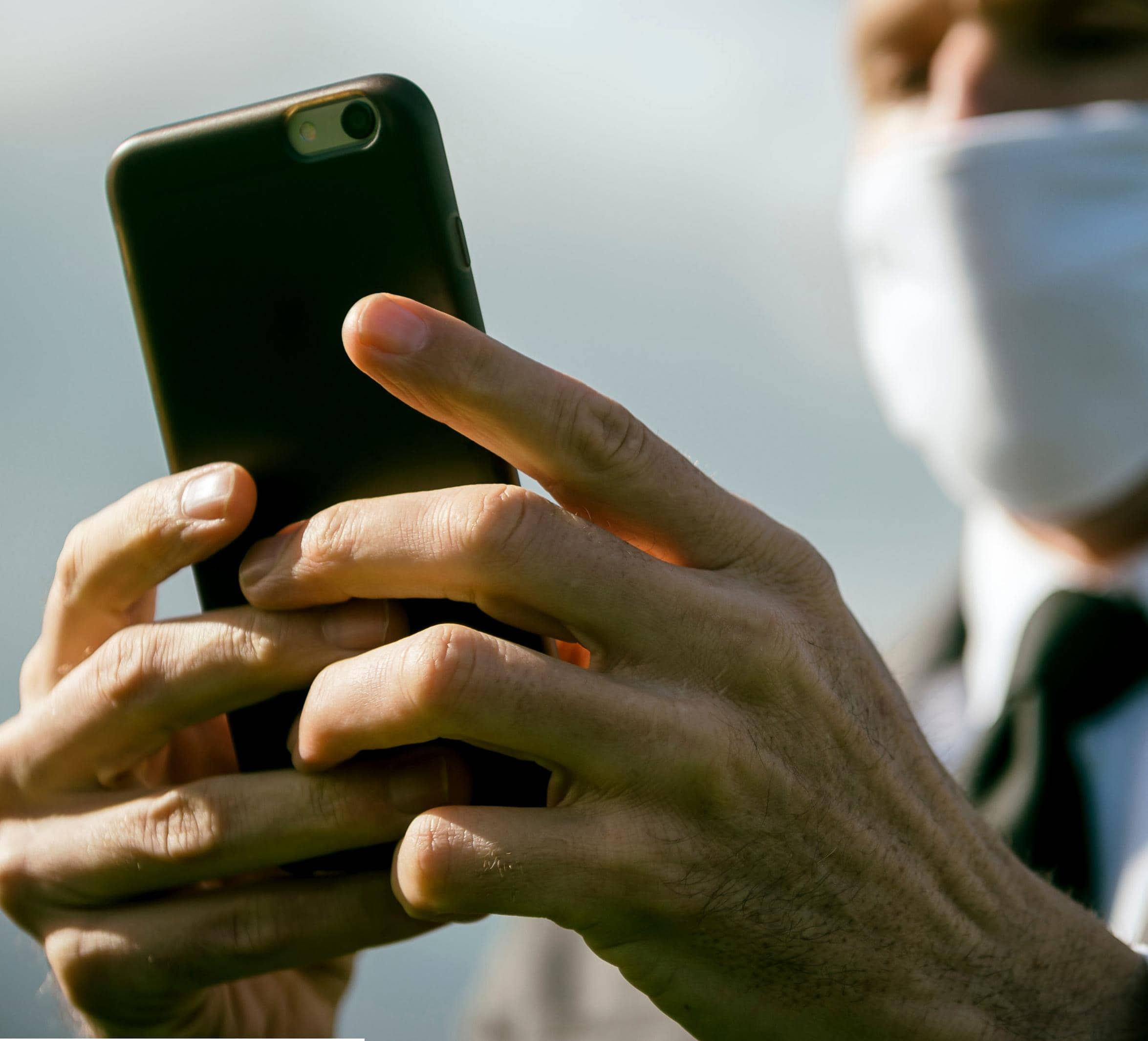MTA ASKS APPLE'S HELP TO SOLVE iPHONE MASK ISSUES