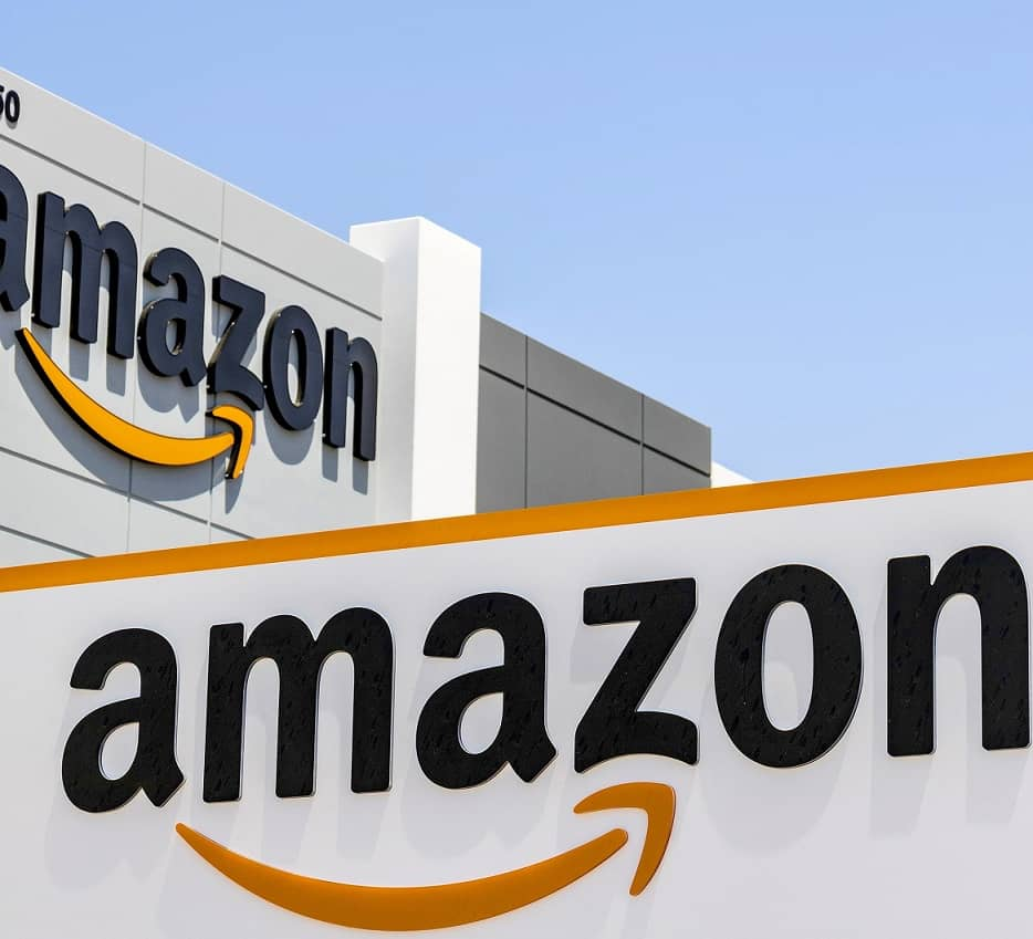 Amazon Wins FAA Aproval to Deliver Packages by Drone