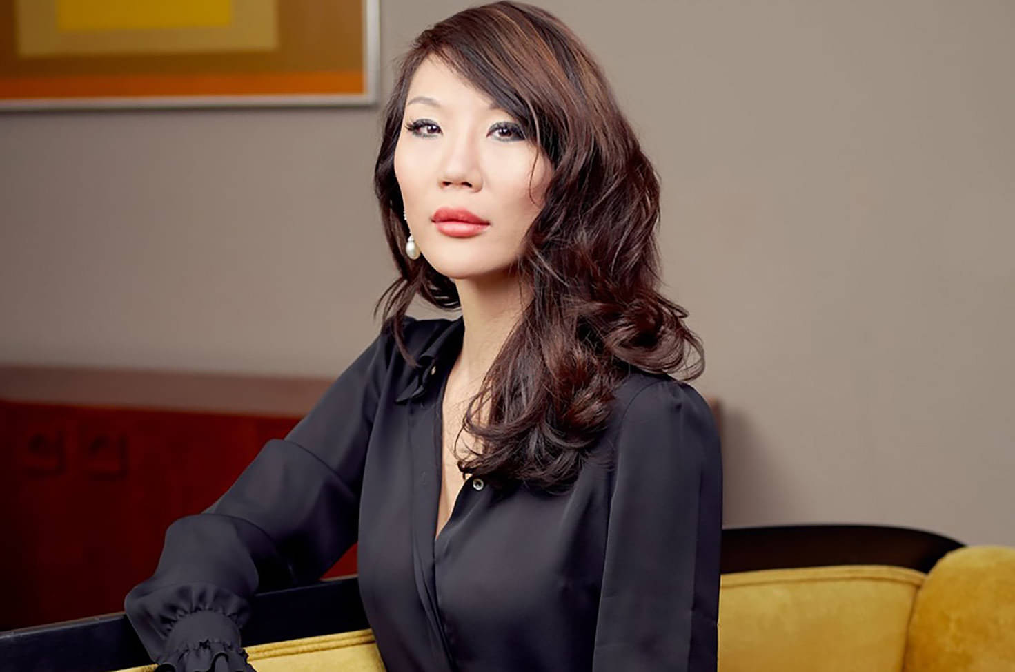 Olyvia Kwok – How Art Is Re-Defining Luxurious Spaces