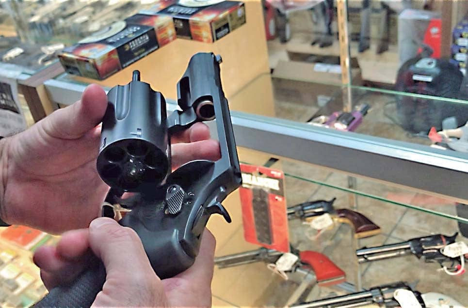 Tráfico de armas: ningún interés en detenerlo