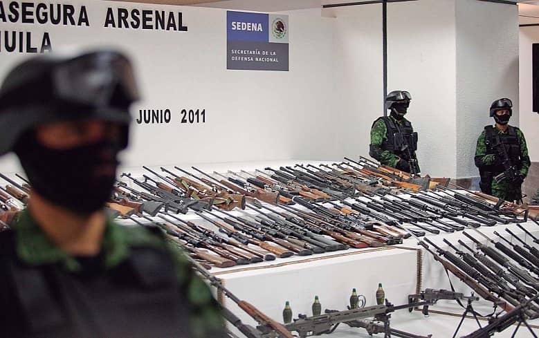 Rápido y Furioso Con la complicidad del gobierno de Calderón