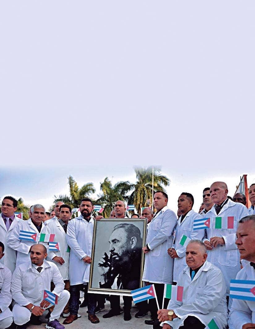 """Médicos cubanos, los """"esclavos"""" del siglo XXI"""
